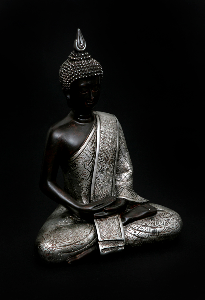 thai buddha figur skulptur deko xl sitzend betend klein feng shui braun silber ebay. Black Bedroom Furniture Sets. Home Design Ideas